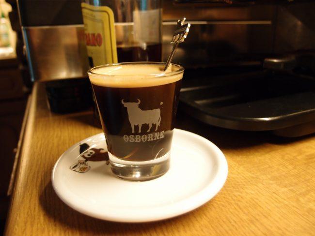 Испанский алкогольный кофе Карахильо