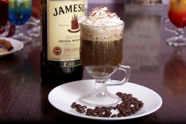Горячий кофе Фарисей