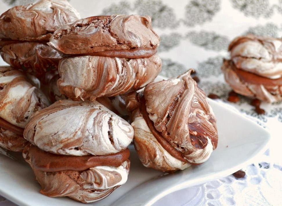 """Простой шоколадный десерт """"Меренги с шоколадом"""""""