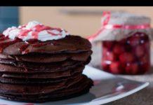 шоколадные панкейки с какао на молоке - простой рецепт