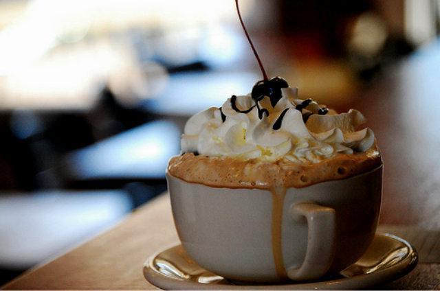 Венский кофе с сахарной пудрой - рецепт