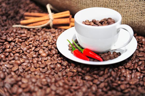 бодрящий кофе с перцем чили