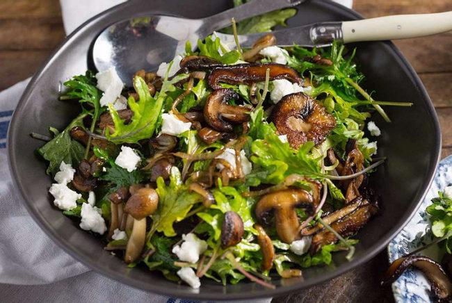 Салат с белыми грибами - рецепт