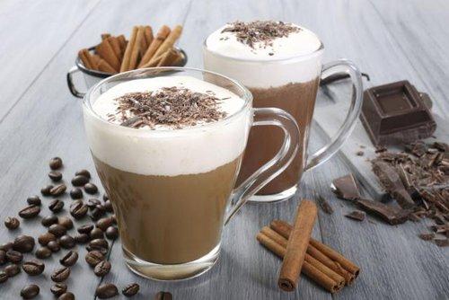 """Рецепт кофе латте с ликером """"Бейлиз"""""""