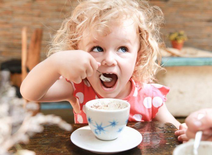 Можно ли детям пить кофе? Вред и польза кофе