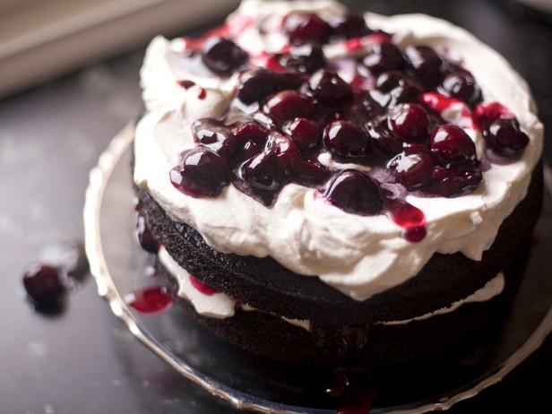 """Самый вкусный шоколадный десерт с ликёром и вишней """"Чёрный лес"""""""