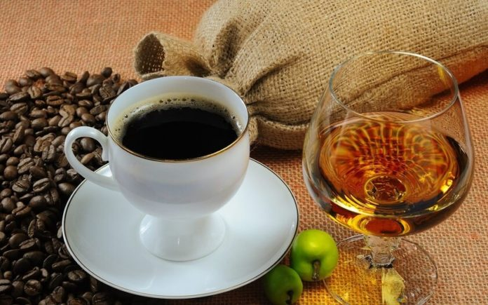 алкоголь и кофе помогут прожить до 90 лет