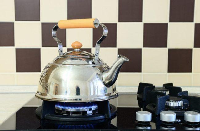 как очистить чайник от накипи с помощью лимонной кислоты