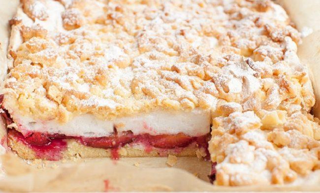 пирог со сливами и безе 2