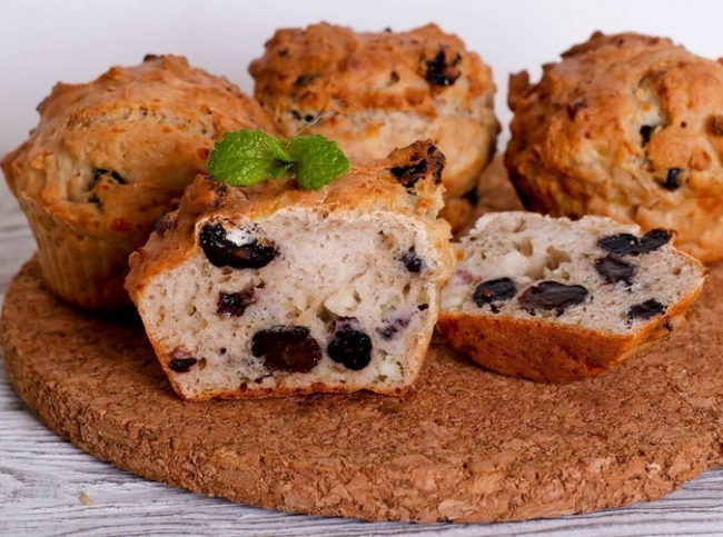Творожные кексы с изюмом - простой рецепт