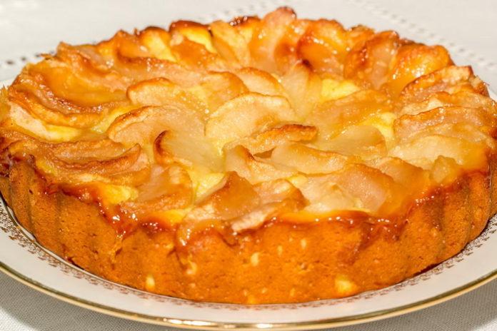 Яблочный пирог на сковороде - рецепт
