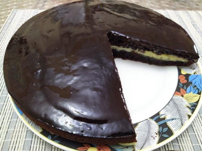 Шоколадный пирог с маком Crazy Cake - рецепт