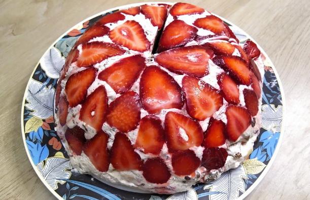 Торт с клубникой - рецепт